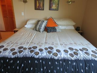 Portland condo photo - Comfortable king size bed with 2 adjustable reading lights.
