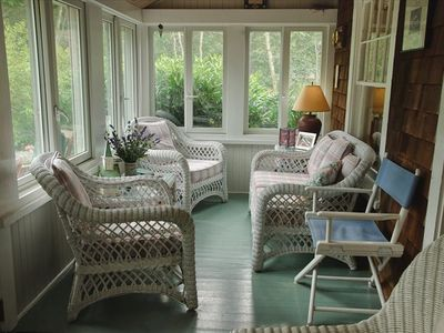 Sunporch for snoozing, reading, watching birds