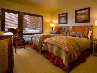 Teton Village lodge photo - Inviting twin suite with oversized windows