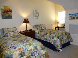 Waikoloa Beach Resort condo photo - The loft with Vintage Hawaii style, twin beds, Cable TV and a Reading nook