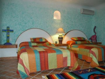 Large, comfortable bedroom suites (Casa Delfin)