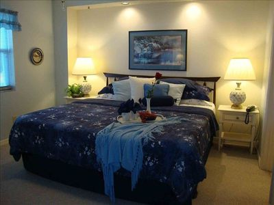 Master Bedroom, King Size Bed, TV, DVD, Ceiling Fan, en-suite dual sink Bath.