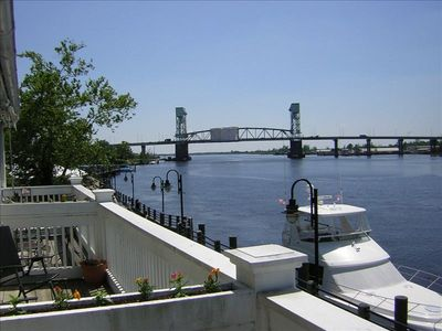 Luxury Condo On The River Million Dollar View VRBO