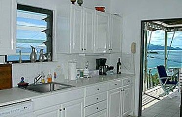 GP SeavView has a spacious kitchen with ocean view equipped for gourmet chefs.