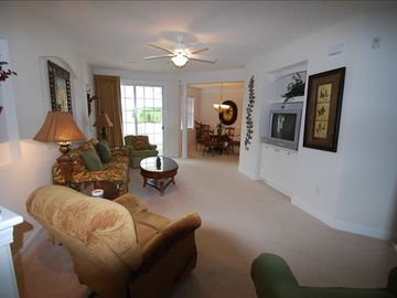 Windy Hill condo rental - LARGE LIVING ROOM