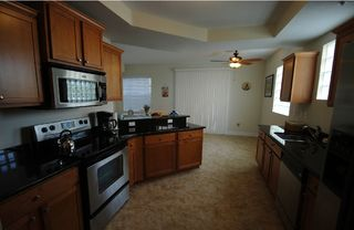 Tampa townhome photo - Large open fully equipped Gourmet kitchen, granite counter tops,stainless steel