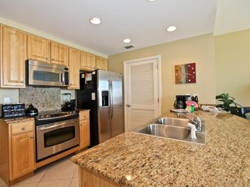~Full Kitchen with All New Stainless Steel Apps~