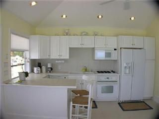 Marsh Harbour cottage photo - Open kitchen.