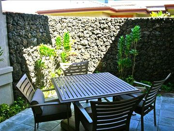 Private lanai for morning coffee & breakfast.