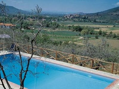 Charming apartment for 6 people with communal pool in the Tuscan