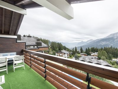 Peaceful house, with terrace , Crans, Valais