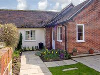FLOUR MILL COTTAGE, pet friendly in Fontmell Magna, Ref 5685