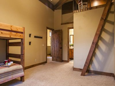 Kid's bunk room retreat