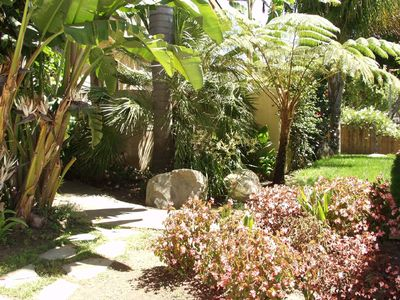 Santa Barbara house rental - Front yard