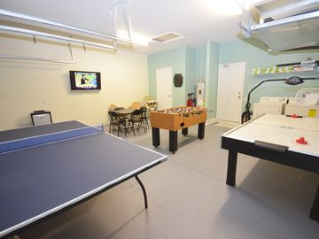 "Garage game room features 42"" Cable TV, air con, ping pong, air hockey, foosball"