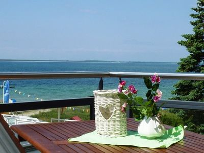 Dream holiday in a romantic apartment right on the beach with a sunny sea-view balcony