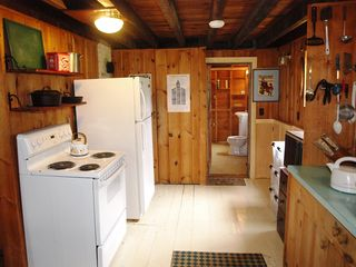 Lamoine cottage photo - Stove and Fridge