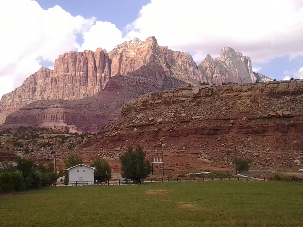 A great vacation place nestled among the red rock for Vacation rentals near zion national park