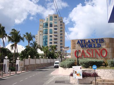 The Cliff and Atlantis World Casino