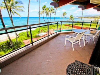 Spacious covered lanai brings in the incredible setting!