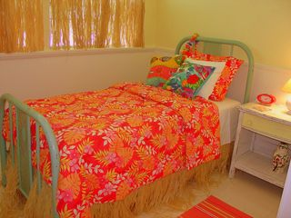 Seagrove Beach house photo - Twin Bedroom 'Nook': Ajoins The Queen Bedroom. (Sleeps 1).