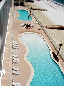 2 Beautiful pools/one zero entry/2 hot tubs