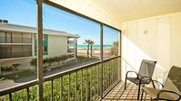 Gulf Watch 104 - Condo 2 Bedroom / 2 Bath Gulf to Bay access, maximum occupancy of 6 people.