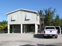 21 DAY MIN. STAY   Peaceful and private waterfront stilt home. Canal front home