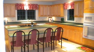 Killington house photo - Warm and open kitchen