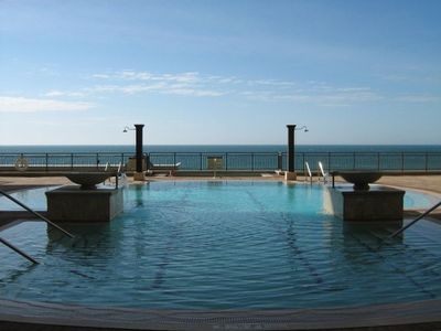 "Grand Terrace with ""Zero-Edge"" Pool, HOT TUB, & Unbelievable Gulf View!"