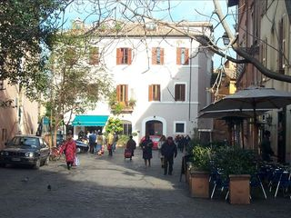 Trastevere area condo photo - Piazza S. Egido by day