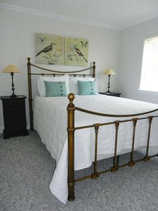 Seaview condo rental - Cozy second bedroom for your guests.