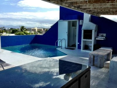 Top roof pool, with chill out area and BBQ overseeing the ocean