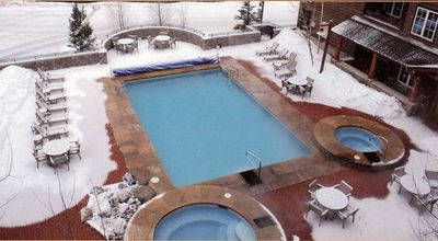Dakota pool with hot tubs shared by Silver Mill. There is also a steam room.