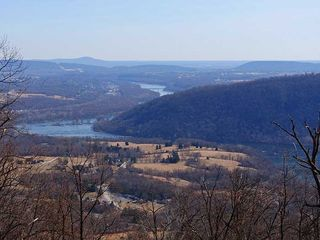 Harpers Ferry house photo - Great Hiking / Stone Fort Hiking Trail view of Potomac River and Brunswick, MD