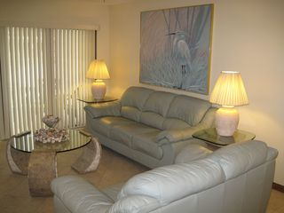 Cocoa Beach condo photo - Leather furniture