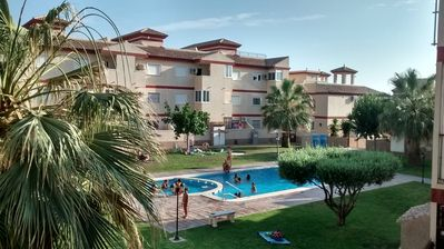 Lovely Townhouse, with the Best Superb Pool Area! Wifi Available, English TV