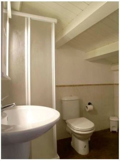 en suite bathroom (Miramare)