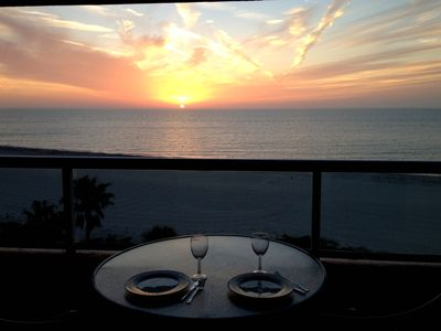 DINNER AND A SUNSET ON YOUR BALCONY