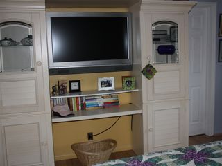 Hollywood condo photo - Bedroom TV Unit