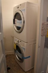 Tucson bungalow photo - Top-of the line Steam HD Washer and Dryer in laundry room off the Kitchen