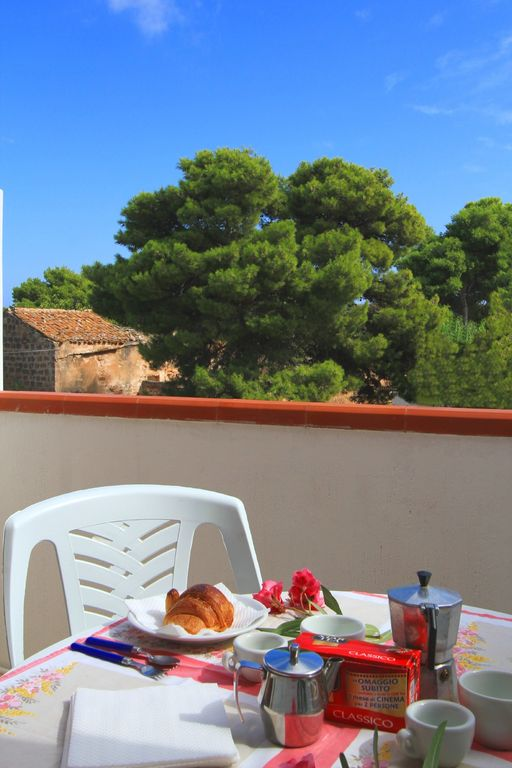 THE EQUIPPED BALCONY, PERFECT FOR YOUR BREAKFAST!