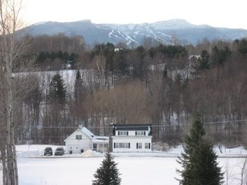 comfortable family home 10 minutes to mt. mansfield