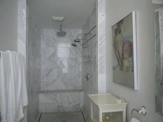 New Orleans apartment photo - Bathroom 2