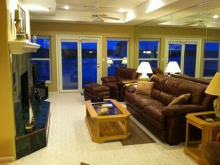 Lake Ozark condo photo - Family room with fabulous main channel view!