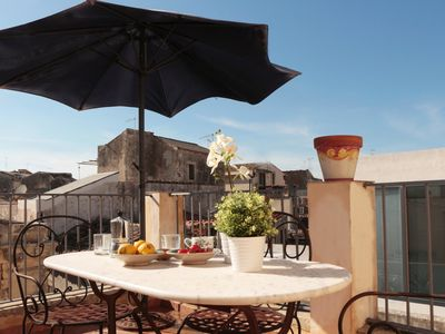 A home in Ortigia. in the heart of historic centre, few steps away from the sea!