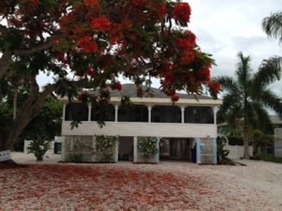 Fort Myers Beach cottage rental - Your piece of paradise!