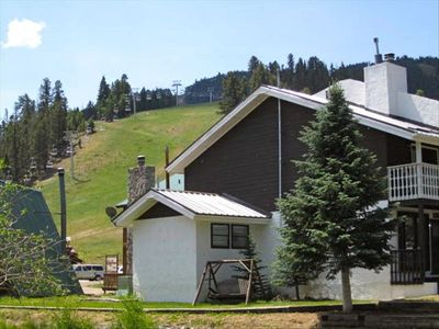 Check out the Main chair lift and slopes behind Claim Jumper 14 (end unit).