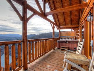 Pigeon Forge cabin photo - A hot tub with a view!