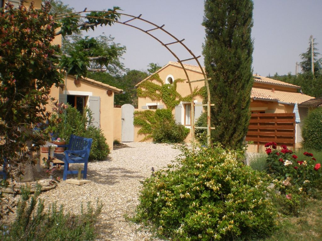 Accommodation near the beach, 150 square meters,